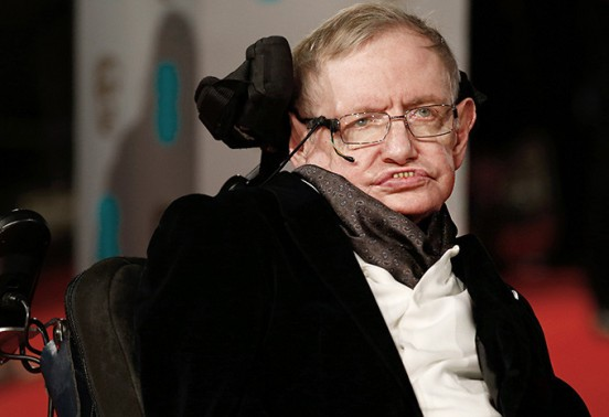 Stephen Hawking claims that machines and AI create a new form of life